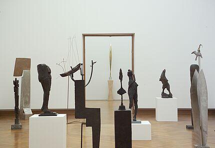 Blick in die Sammlung Simon Spierer, Foto: Wolfgang Fuhrmannek, HLMD, © VG Bild-Kunst, Bonn 2018