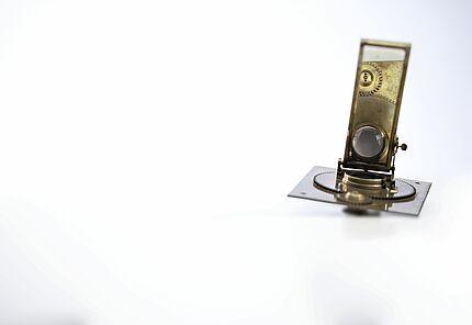 Sonnenmikroskop. Samuel Gottlieb Hofmann (1726-1801), Leipzig, 1785-89. Messing, Eisen, Glas, Holz. Inv. Nr. Ph.C.57/133. Foto: Traumwelt GmbH