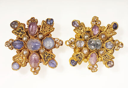 Mainzer Tasseln, Rheinland, Ende 10. Jh., Gold, Saphire, Amethyste, Perlen und Glas