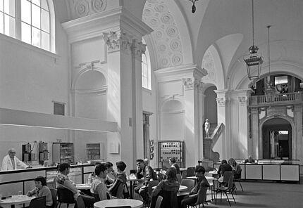 Aus dem Archiv des HLMD: Haupthalle 1984