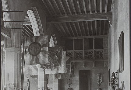 Aus dem Archiv des HLMD: Waffensaal, nach 1906